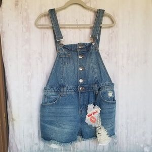 NWT Hot Kiss distressed overall shorts size 10